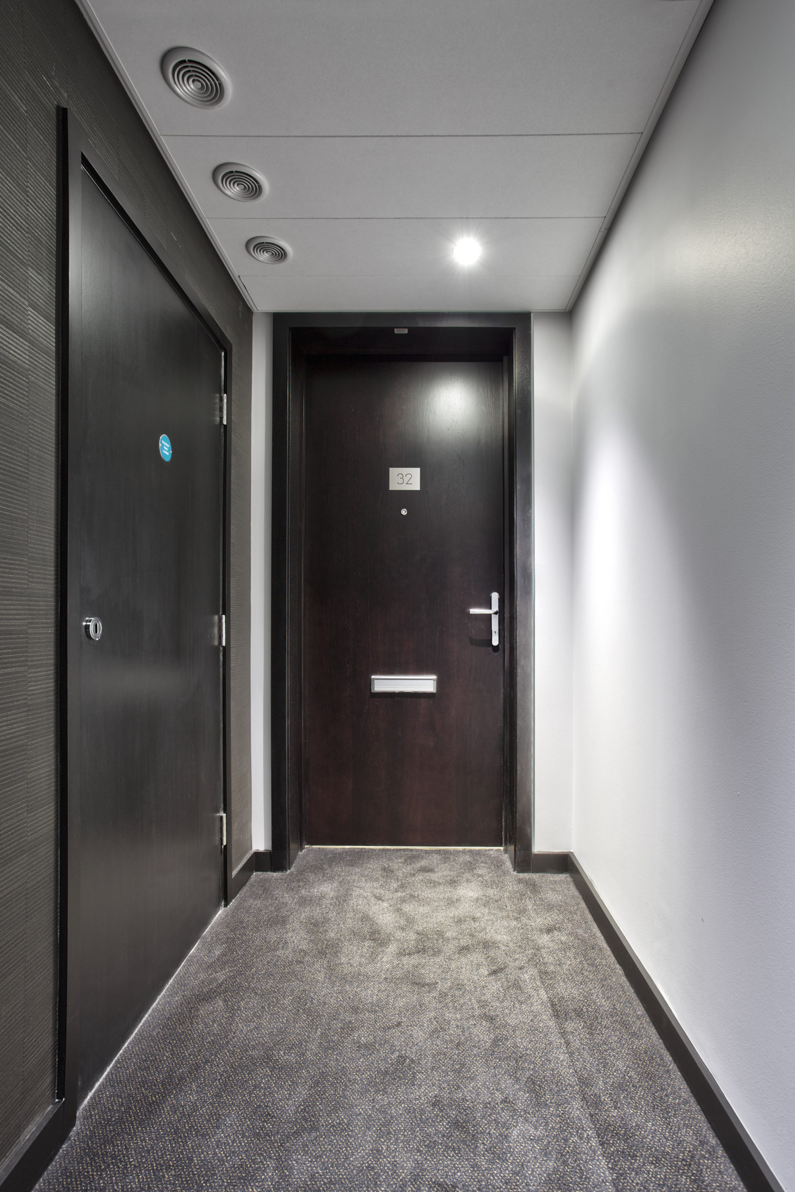 Secured by Design/PAS 24 Apartment entrance doorsets for Parliament House